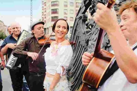 Sharon Brauner & Karsten Troyke - Yiddish Jazz Chansons